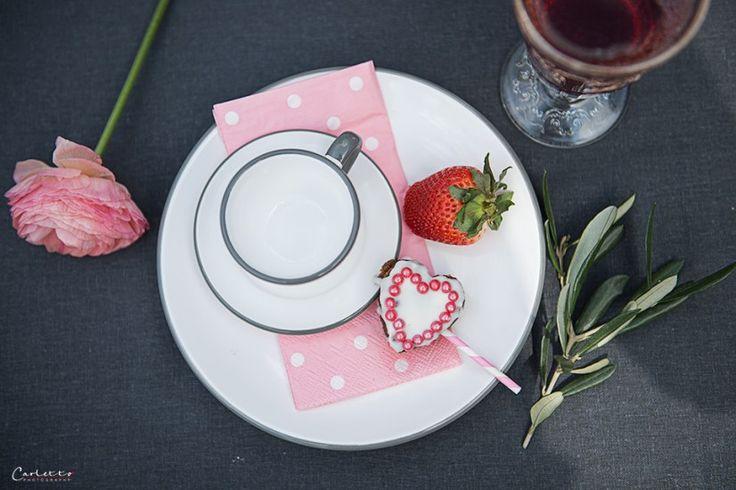 Muttertag, Muttertags Tisch, Frühlings Tisch, Frühling, Style Tisch, Deko Tisch, DIY, doityourself, Dekoration, decoration, deco, Deko, spring table, decor table, style table, flowers, Blumen, Muttertags Rezepten, mother's day recipe, mother's day, baking, Backen, Charlotte, Ölz Meisterbäcker...http://www.cookingcatrin.at/tisch-fuer-mama/