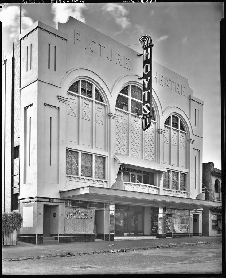 Beside the Yarra: Melbourne's Hidden Suburban Cinemas