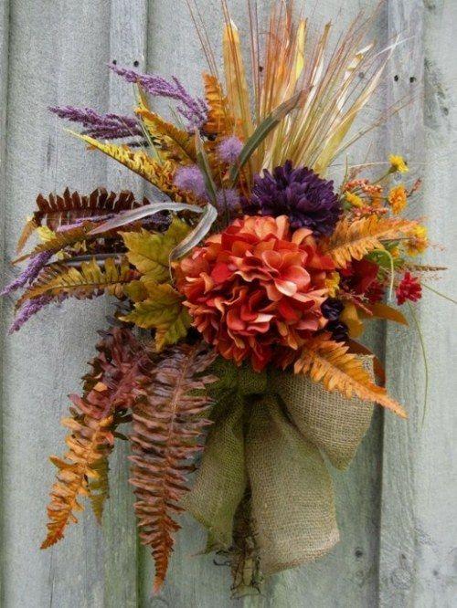 déco avec fleurs d'automne et ruban                                                                                                                                                                                 Plus
