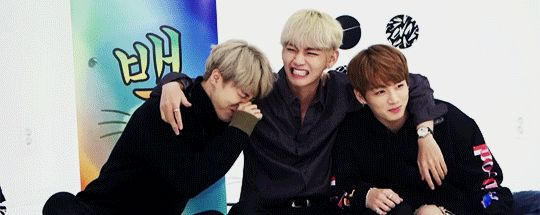 The maknae line summed up in one gif ❤ BTS 'WINGS' preview SHOW on V LIVE #BTS #방탄소년단