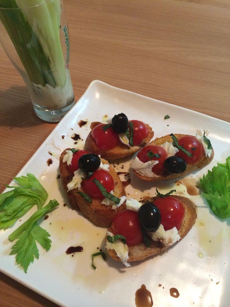 급조된 야식 : 부르게스타 & 샐러리