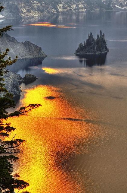 Phantom Ship Island - Crater Lake: Oregon, Beautiful, Lakes National, Ships Islands, National Parks, Phantom Ships, Places, Crater Lakes, Photo