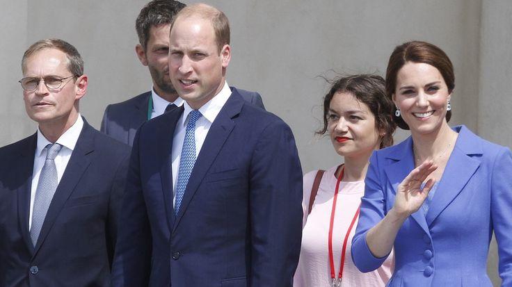 "Prens William ve eşi Kate Middleton Berlin 'de  ""Prens William ve eşi Kate Middleton Berlin 'de"" http://fmedya.com/prens-william-ve-esi-kate-middleton-berlin-de-h53977.html"