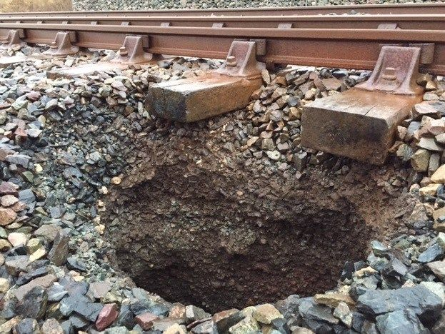 Engineers working to repair rare sinkhole on Cumbrian coast railway https://i2.wp.com/www.cumbriacrack.com/wp-content/uploads/2018/01/Sink-hole-on-Cumbrian-coast-railway.jpg?fit=623%2C468&ssl=1 A sink hole on the railway is disrupting train services between Whitehaven and Workington on the Cumbrian coast.    https://www.cumbriacrack.com/2018/01/05/engineers-working-repair-rare-sinkhole-cumbrian-coast-railway/