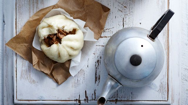 Fluffy,+juicy,+steamed+buns+-+just+like+you+get+at+the+local+chinese