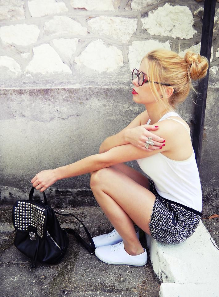 Shop this look on Kaleidoscope (shorts, tank, sneakers, backpack, ring)  http://kalei.do/WHI7lXwNUB1PLsSJStuds, Backpacks, Fashion, End Of Summer, Glasses, Style, White Shirts, Outfit, Black White