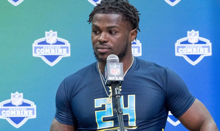 What does the Jabrill Peppers dilute drug sample mean? = Michigan's Swiss army knife, Jabrill Peppers, was recently informed that his 2017 NFL Scouting Combine drug test sample registered as diluted. What does that mean? A diluted sample is a urine test that has an abnormally high concentration of water, indicating a person may be attempting to…..