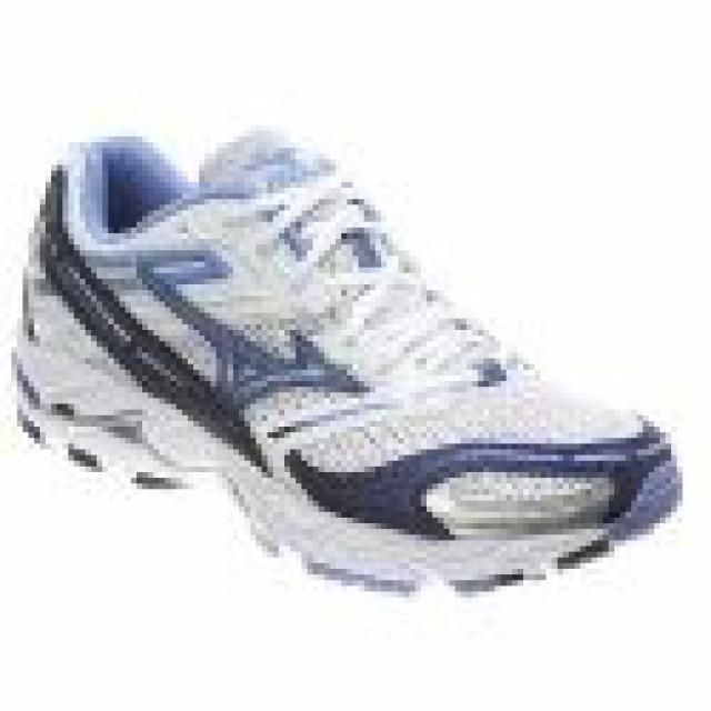Top Running Shoe Options for Women with Flat Feet: Mizuno Wave Alchemy