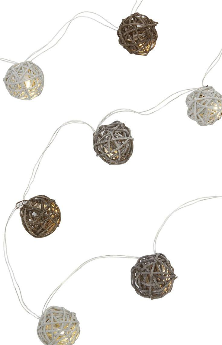Primark - LED Rattan Ball String Lights