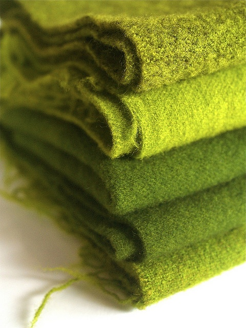 Yummy green wool, love these colors!!