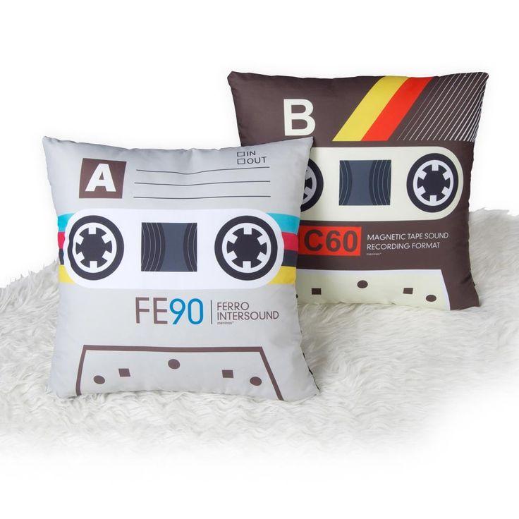 Cojines con forma de cassette