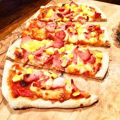 Slimming World Syn Free Pizza - Who said diets had to be boring? Spice up your weekends with this syn free pizza!! :)