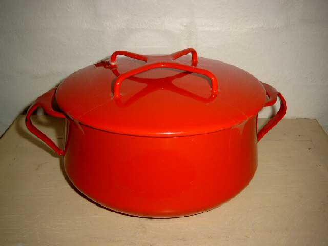 Jens Harald Quistgaard (IHQ) enamel pot - DANSK DESIGNS - 1950s. #Quistgaard #IHQ #fondue #pot #enamel #Dansk #Designs #Danish #gryde #emalje. SOLGT.