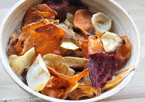 """#Nyttig #snacks #Knapriga #chips på #persiljerot #sötpotatis #palsternacka #rödbeta #recept  #healthy #snacks #chips #rootfruits """"beetroot #sweetpotatoe #parsnip #homemade #recipe"""