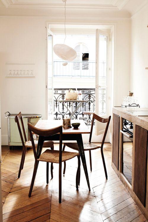 chairs, paris Boards, Dining Room, Parisians Apartments, Paris Apartments, Interiors, Small Kitchens, Kitchens Tables, Dining Table'S, Dining Tables