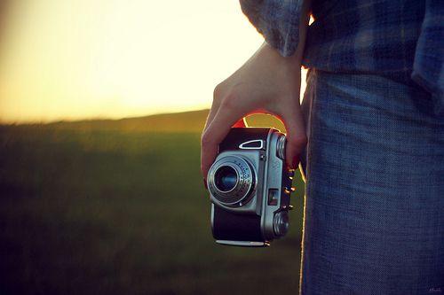 Compón: componer una foto es encuadrarla en un buen marco. Para lograrlo existe la ley de los tres tercios. Más consejos en: http://www.tutiendacristiana.com/revista/consejos-para-tomar-buenas-fotos/#.UieRwj-ZaUA