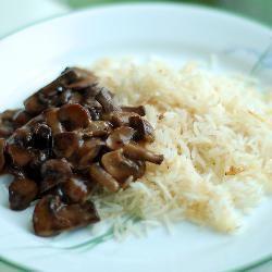 Gulasz z grzybami i wołowiną @ allrecipes.pl