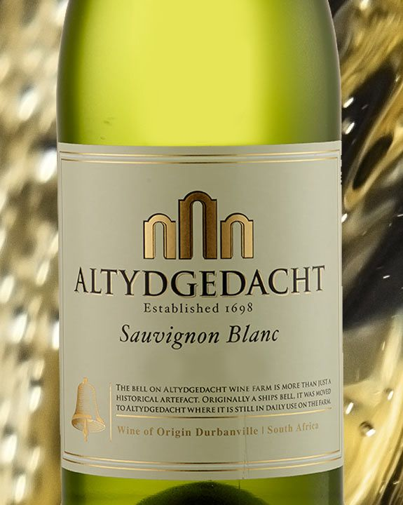 Checkers - SAUVIGNON BLANC Crisp and dry with tropical notes. Flavours: gooseberry, grass, green apple. Enjoy with: chicken and fish. Cheese: ripe Brie. Chocolate: milk chocolate. Our range includes: Altydgedacht, La Motte, De Grendel.