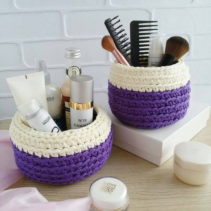 "1,745 Likes, 18 Comments - rose oliveira (@roseoliveira_tartes) on Instagram: ""Kit de cestos lindos! Inspiração from @marina_vyazhusama #crochet #trapillo #basket…"""