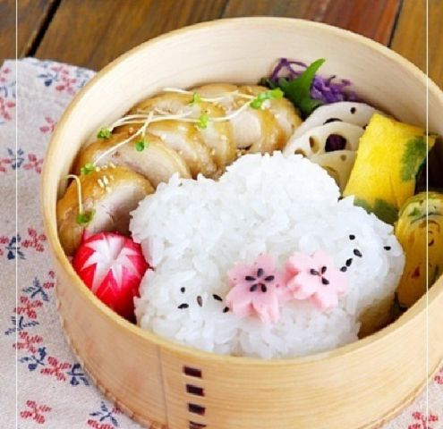 BENTO! Replace that chicken with tofu and I would be one happy girl!