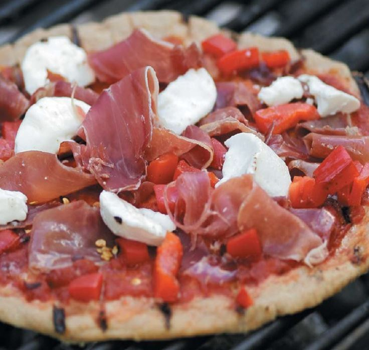 Grilled Greek Pizza with onions, olives and Feta cheese #Recipe #chicken #Minutes #bake #Cake #Cheese #Cut #Bottle #Step #Mix #Favorite #Cool #Top #Butter #Chocolate #Ingedients #try #best #backing #pour