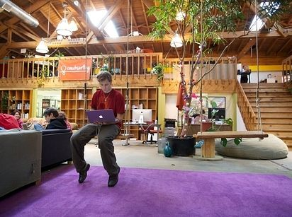 CouchSurfing in San Francisco, California - 22 Gorgeous Startup Offices You Wish You Worked In