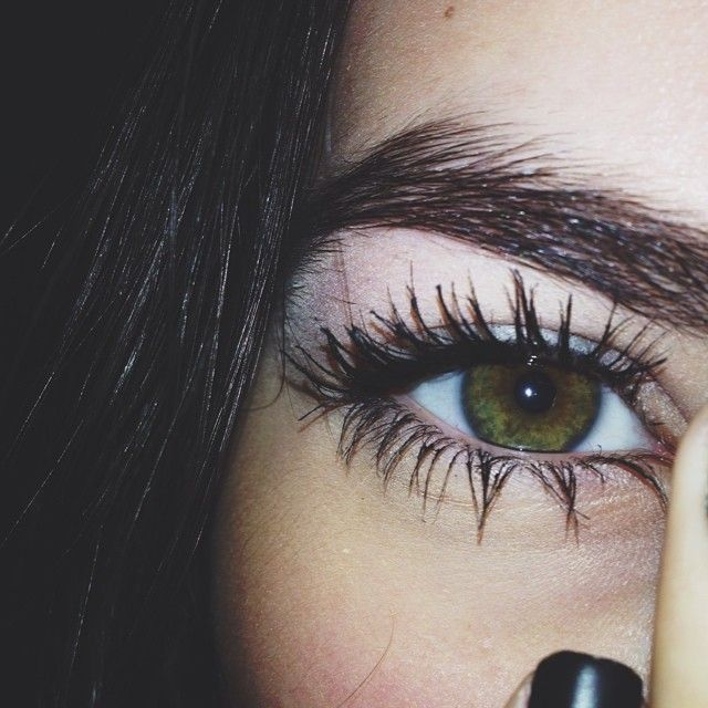 greeen eyes like me - look into my eyes before you tell me your lies