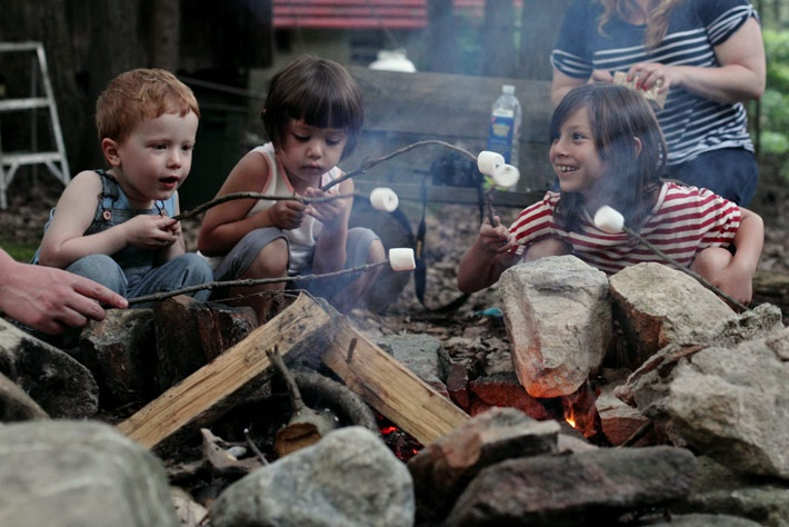 roasting on the fire.: Camps Fire, Kids Pics, Future Kids, Roasted Marshmallows, Campfire Fairytales, Camps Glamping, Blog Inspiration, Boys Girls, Campfires Fairyt