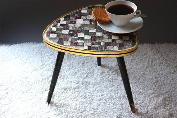 Best 25 kleiner beistelltisch ideas on pinterest for Beistelltisch vintage grau