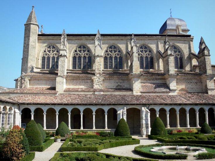 Marmande: Gotische kerk van de Notre-Dame met zijn renaissance-klooster en de Franse tuin - France-Voyage.com
