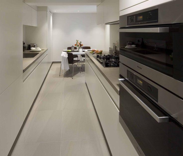 Small Apartment Kitchen, Sloane Street, Knightsbridge | Elan Kitchens 55 New King's Road, London, SW6 4SE. www.elankitchens.co.uk