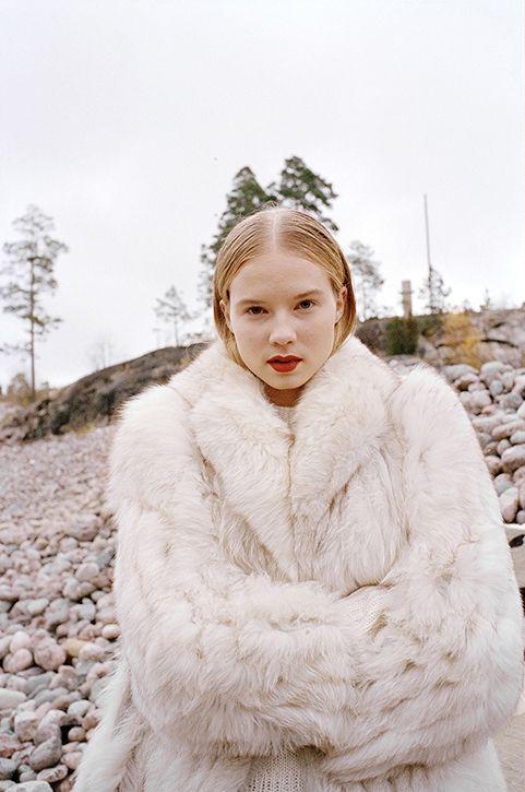 Anne Törnroos/ Styling, Fashion editorial, Ulap Magazine, model, film photography, fur, photo: Andrei Kipahti