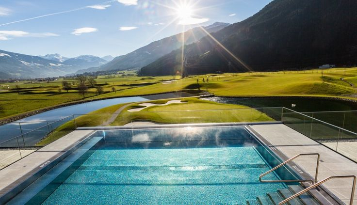 Freuen Sie sich auf Ihren Urlaub im Spätsommer in Tirol.  #leading #spa #resort #leadingsparesort #indoor #luxus #4star #5star #superior #austria #wellness #holiday #pool #baden #wasser #outdoor #vacation #праздник #здоровье #Австрия #Франция #хорошеесамочувствие #オーストリア #النمسا