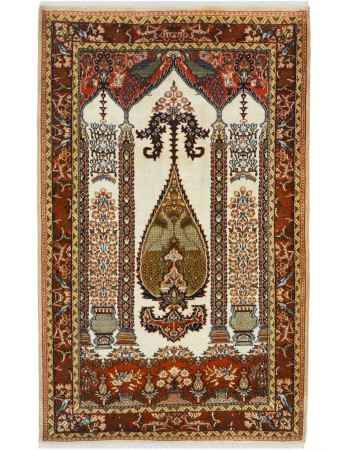 Best selling and popular handmade rugs and Carpets Modern and traditional handmade carpets and rugs are increasingly becoming popular in today's contemporary home decor. Some of these best selling carpets include woolen and kashmir silk carpets in va #mostpopularrugsandcarpets