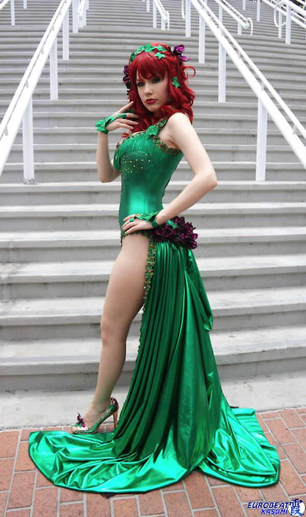 This stunning Poison Ivy cosplay features Crystal Graziano at SDCC. The look is beautifully done with matching shoes and a long, green train that is just amazing. Photography by Eurobeat Kasumi Photography.