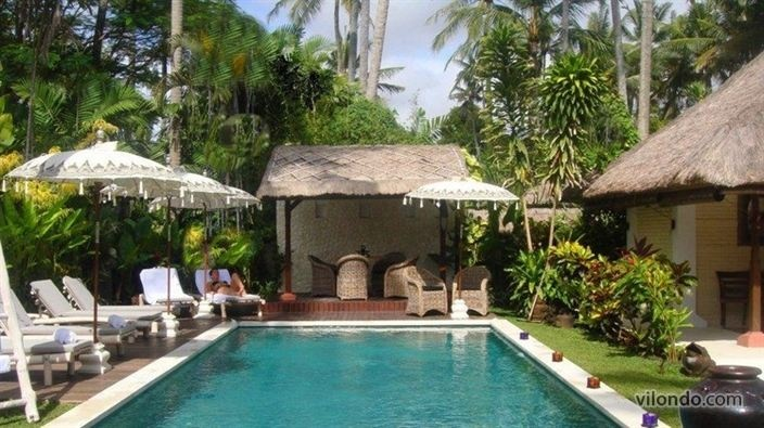 Luxury for 10 in Sanur, Bali