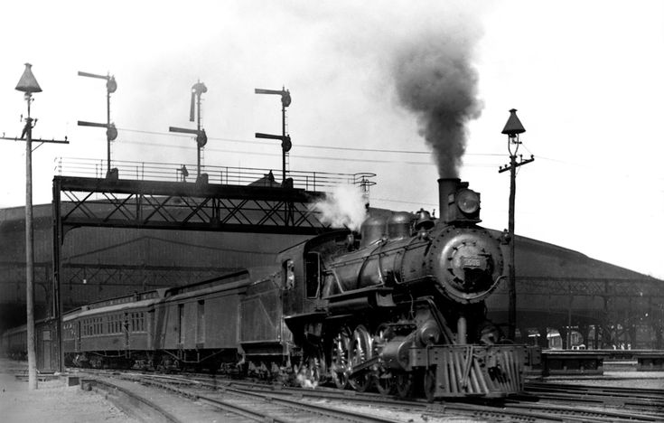 At the time of the St. Louis World's Fair in 1904, on of the Frisco Railroad's flagship trains departs Union Station for the southwest.