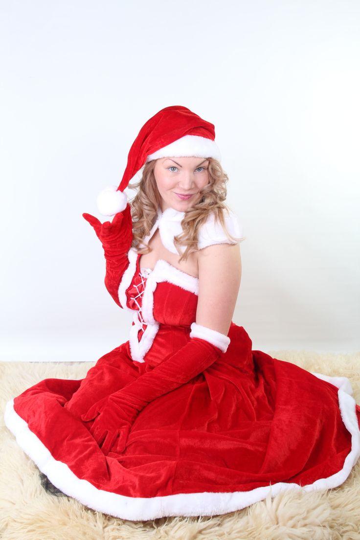 Pani Santa Clausová... nie, Monika. Ako sa vám páči ako pripomienka na zimu (bola vlastne zima)?