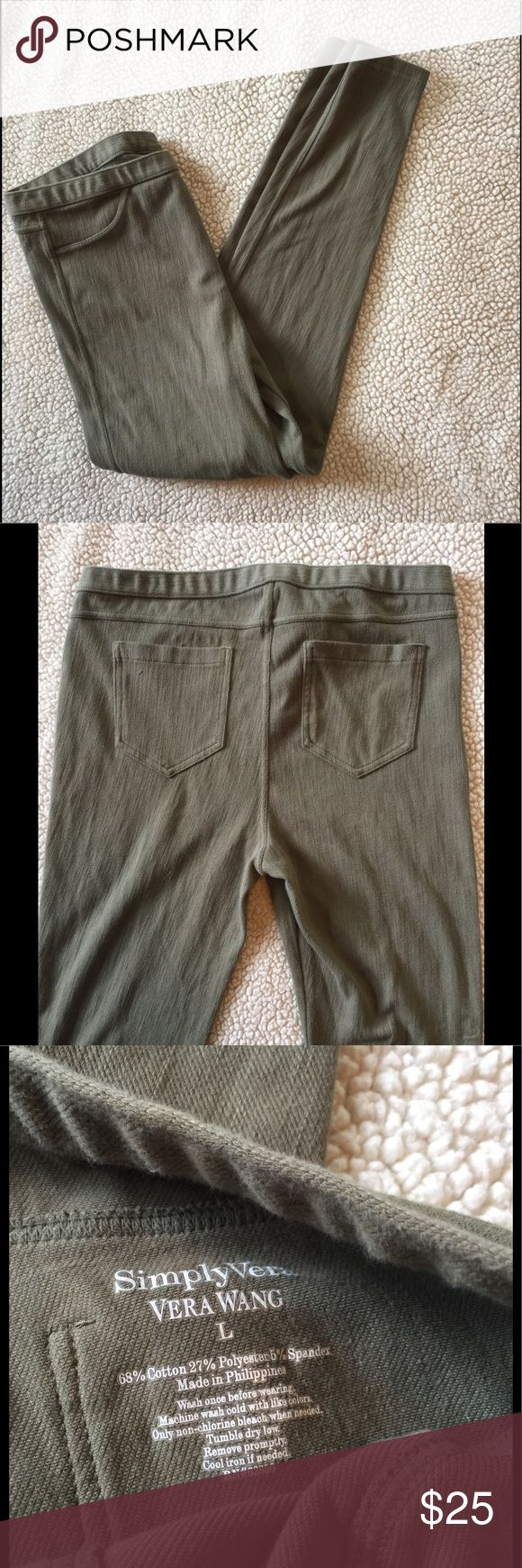 Simply Vera Jeggings Great condition. Soft and stretchy, ankle grazer. Simply Vera Vera Wang Pants Leggings