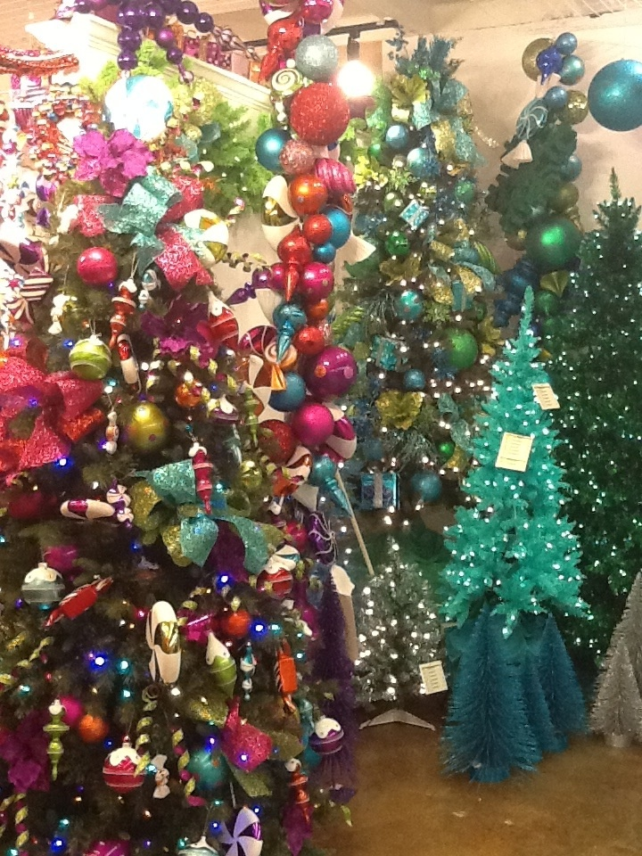 show me decorating decorated christmas trees at americasmart for holiday market - Christmas Tree Market