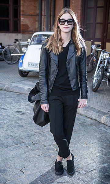 Coat, jumper and trousers: Zara | Sunglasses: Prada |  Handbag: Weekday | Trainers: Vans