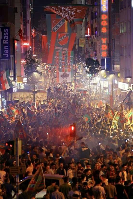 Karşıyaka Çarşı Şampiyonluk Kutlamaları