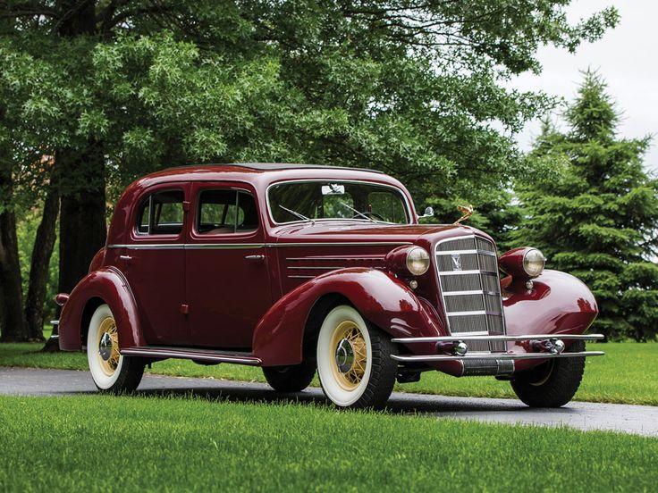 1934 Cadillac V-12 Town Sedan by Fleetwood - (Cadillac Motors, Detroit, Michigan 1902- present)
