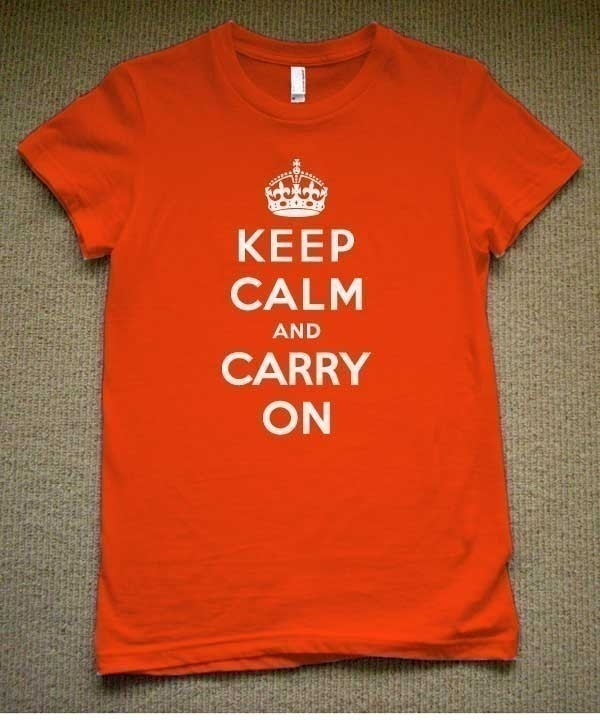Storlek large behöver jag.....  Keep Calm And Carry On WOMENS T-Shirt (Orange- White Ink) S, M, L, XL American Apparel. $19.98, via Etsy.