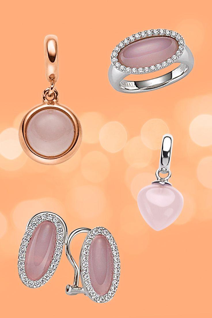 Der Rosenquarz ist der Stein der Liebe und der Liebenden. Er stärkt das Herzchakra, die Liebesfähigkeit und die Selbstliebe.