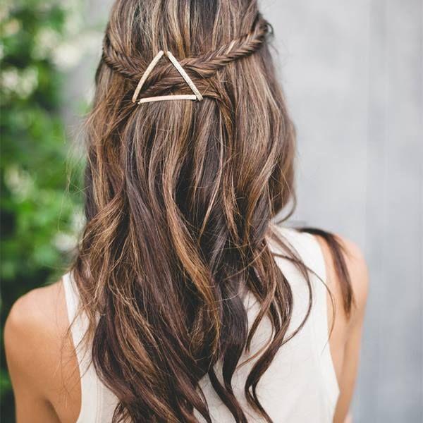The one thing you need to get this quick, easy hairstyle: http://www.dailymakeover.com/trends/hair/bobby-pins/?utm_campaign=socialflow&utm_source=facebook.com&utm_medium=referral#slide1