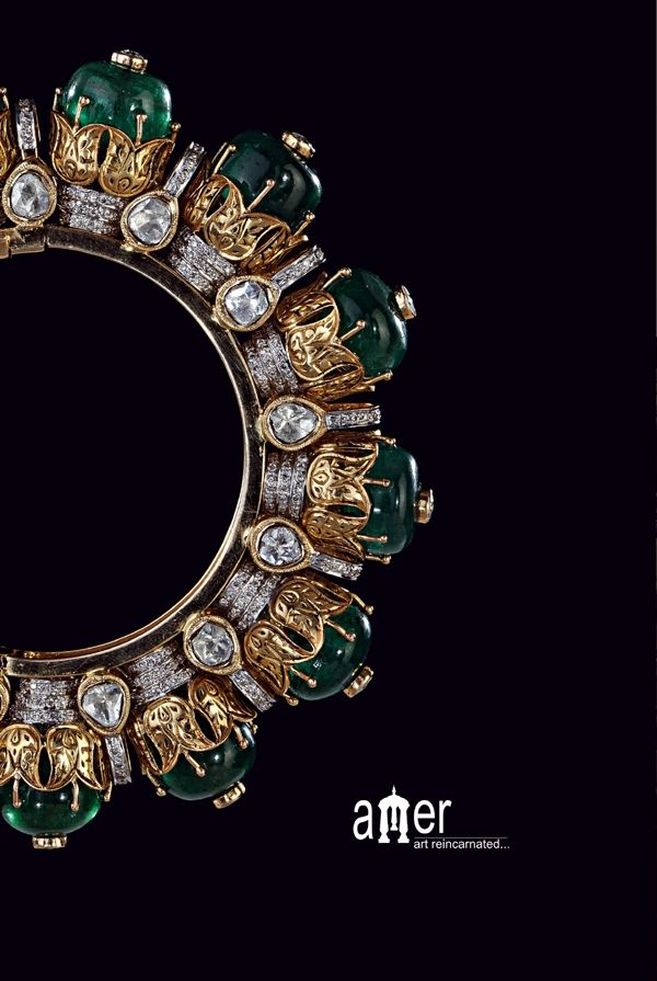 Mesmerizing bangle with emeralds, diamonds inspired by domes of amber fort jaipur rajasthan