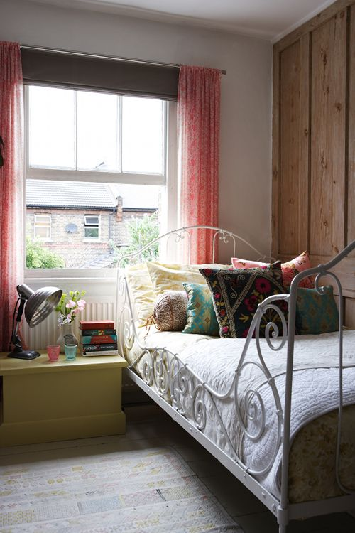 eyecandy: a London home filled with travel finds (via...
