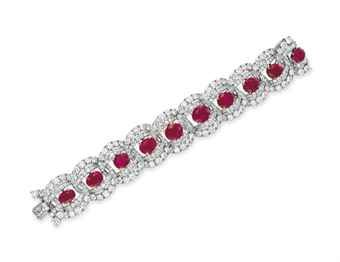 do not really like rubies but i would wear this