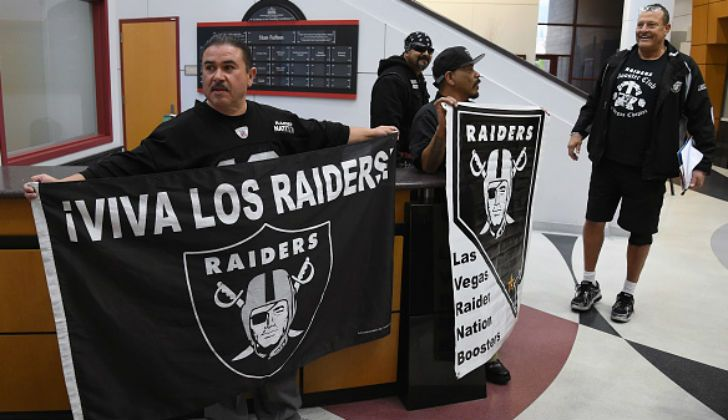 DONTE STALLWORTH WARNS ABOUT THE RAIDERS MOVING TO VEGAS